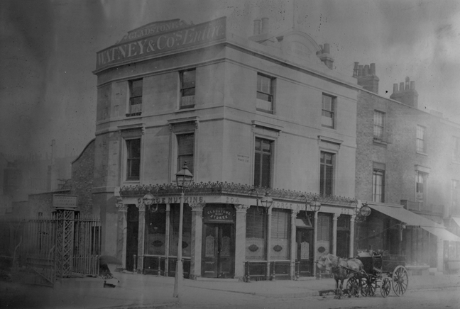 Gladstone pub near Brompton Road station